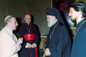 Εχει παρελθόν η κόντρα Ρώμης- Μόσχας και μετρά θύματα…Ή όταν  ο ισχυρός μητροπολίτης Λένινγκραντ Νικόδημος,  ξεψύχησε στα χέρια του Πάπα των 30 ημερών