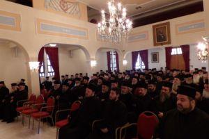 Έκτακτο ιερατικό συνέδριο στην μητρόπολη Κορίνθου για τους πρόσφυγες
