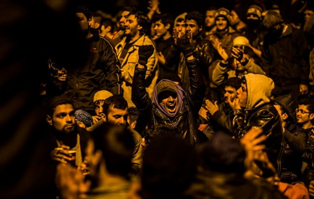 You are currently viewing Εκτός ελέγχου η Ειδομένη – Πρόσφυγες με λοστάρια κατέλαβαν τον καταυλισμό