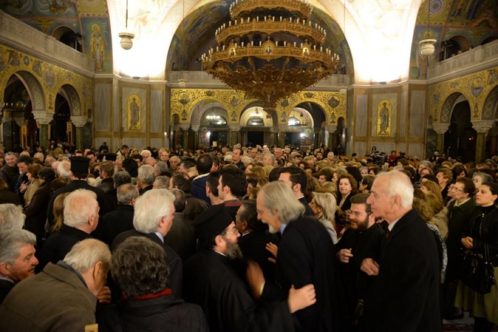 You are currently viewing Πλήθος πιστών  κατέκλυσε τον ναό του Αγίου Ανδρέα για τον Α ´ κατανυκτικό της συγχωρήσεως