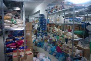 Η Μητρόπολη Αρκαλοχωρίου συγκέντρωσε τρόφιμα και είδη πρώτης ανάγκης για τους πρόσφυγες
