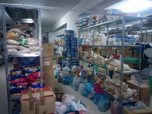 Η Μητρόπολη Αρκαλοχωρίου συγκέντρωσε τρόφιμα και είδη πρώτης ανάγκης για  τους πρόσφυγες ee78bf98a24