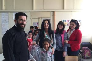 Πασχαλινά δώρα από τη Μητρόπολη Μεσσηνίας στο Δημοτικό Σχολείο Ασπροχώματος
