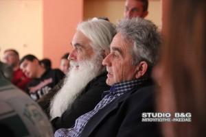 O  Μητροπολίτης Αργολίδος Νεκτάριος σε εκδήλωση για τους πρόσφυγες  που οργάνωσαν μαθητές στο Άργος