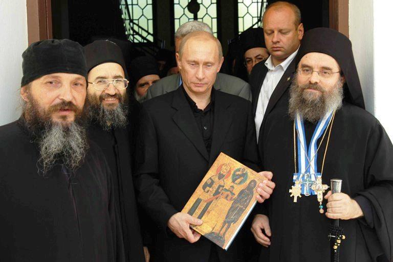 You are currently viewing Με βαριά καρδιά,έρχεται σύντομα στην Ελλάδα ο Ρώσος πρόεδρος.Ζωγραφιστούς δεν θέλει να βλέπει τους Συριζανελίτες.Εντελώς τυπικές οι σχέσεις του με την κυβέρνηση των Σοδόμων και Γομόρων,ουσιαστικό το τμήμα της επίσκεψης που αφορά τις θρησκευτικές εκδηλώσεις και το Άγιον Όρος.