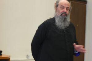 Ο  Σεβ. Μητροπολίτης Δράμας Παύλος στο βήμα της Θεολογικής Σχολής Θεσσαλονίκης
