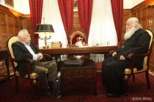 Επίσκεψη του Μανόλη Γλέζου στον Αρχιεπίσκοπο Ιερώνυμο