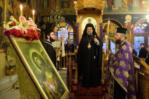 Καλαμάτα: Με ευλάβεια οι πιστοί στον ναό για την ακολουθία της Μ. Τρίτης
