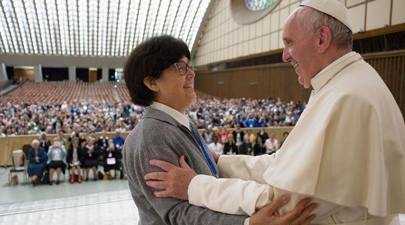 You are currently viewing O Πάπας Φραγκίσκος προανήγγειλε την αξιοποίηση του ρόλου  της γυναίκας στην Εκκλησία με τον θεσμό των διακονισσών