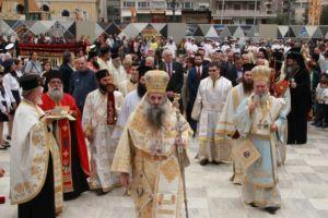 Ο Πειραιάς τίμησε με δόξα και τιμή τους Αγίους Κωνσταντίνο  και Ελένη