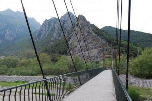 """Στην αναγκαιότητα κατασκευής πεζογέφυρας που θα οδηγεί στο ασκηταριό του Οσίου Νικάνορα,αντιτίθεται το…""""καλογερικό πείσμα""""."""