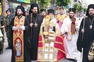 Η Λάρισα υποδέχθηκε λείψανο του Αγίου Νικολάου από την Βενετία με τιμές βασιλικές