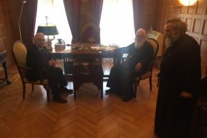 Ο Πρόεδρος του Ελληνικού Ερυθρού Σταυρού στον Αρχιεπίσκοπο