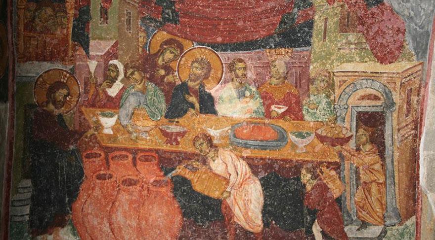 You are currently viewing Ντροπή! Καταστρέφουν πολύτιμες αγιογραφίες στην Αγία Σοφία Τραπεζούντος