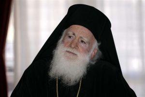 Ο Αρχιεπίσκοπος Κρήτης Ειρηναίος  στη Σαντορίνη