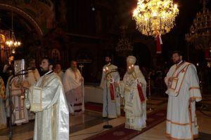 Κατάμεστος ο  Καθεδρικός ναός Κορίνθου για τη λειτουργία υπέρ των παιδιών που δίνουν Πανελλαδικές