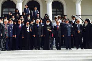 """Ο Μιλήτου Απόστολος ως εκπρόσωπος του Οικουμενικού Πατριάρχη προς τον Πρόεδρο της Δημοκρατίας:"""" Η στοργή του Πρώτου της Ορθοδοξίας υποδέχεται τον Πρώτο της Ελληνικής Πολιτείας στο Αγιοβάδιστον Όρος""""."""