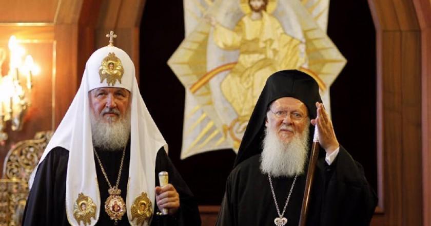 Ας μαζέψουν τα Πατριαρχεία Κωνσταντινουπόλεως και Μόσχας τους υποτακτικούς τους, από το να κάνουν περιττές και ανόητες δηλώσεις….