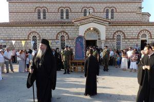 Χιλιάδες πιστοί στον πολυαρχιερατικό εσπερινό στο «Βήμα του Γαλλίωνος»στην Κόρινθο