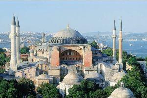 Το ΥΠΕΞ για το σημερινό κάλεσμα σε μουσουλμανική προσευχή μέσα από το χώρο του παγκοσμίου μνημείου της Αγίας Σοφίας στην Κωνσταντινούπολη