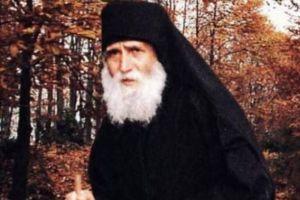 Σπάνιο βίντεο με τον Αγιο Παΐσιο τον Αγιορείτη