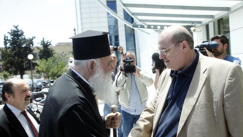 """Φίλης στο """"ΒΗΜΑ"""": Δεν κάνω πίσω στο θέμα των Θρησκευτικών, έχω την κάλυψη του Πρωθυπουργού"""