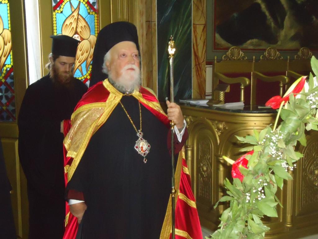 You are currently viewing Ο Μητροπολίτης Κορωνείας στον Αγ. Κωνσταντίνο Πειραιώς.