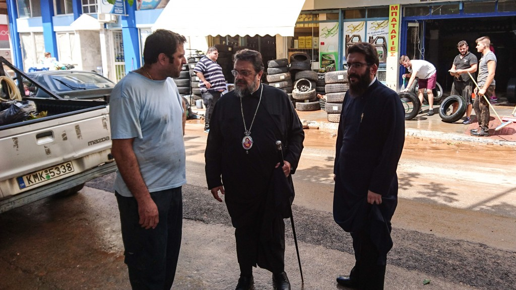You are currently viewing Ο Μητροπολίτης Μεσσηνίας κοντά στους πληγέντες από τη θεομηνία