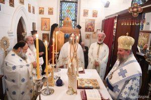 Η πρώτη Θεία Λειτουργία του Επισκόπου Ερυθρών στη Σμύρνη