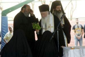 """Αγιασμός από τον Αρχιεπίσκοπο Ιερώνυμοστα εκπαιδευτήρια """"η Θεομήτωρ"""", στην Ηλιούπολη"""