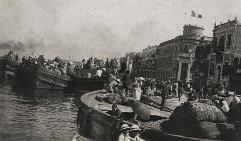 You are currently viewing Σαν Σήμερα 1922: Οι Τούρκοι εισβάλλουν στη Σμύρνη – Η καταστροφή