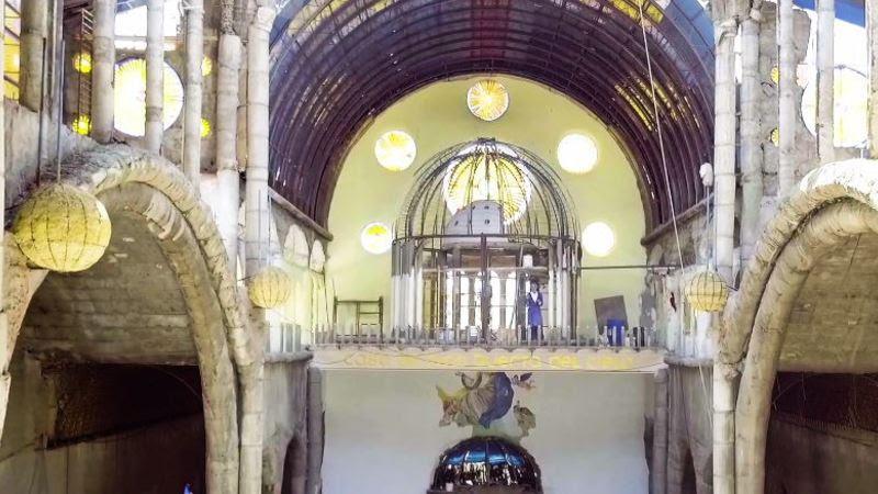 Ένας Ισπανός χτίζει ολομόναχος έναν καθεδρικό ναό με τα ίδια του τα χέρια