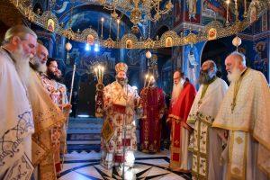 Αρχιερατική Θεία Λειτουργία η οποία ετελέσθη  εις την Ιερά Μονή Ανστάσεως του Κυρίου Εμμαούς και το Αρχιερατικό Τρισάγιο επί του μνήματος του π. Κυπριανού Γλαρούδη και Ειρηναίου Γεωργαντή