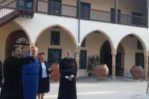 Επίσκεψη του Σεβασμιωτάτου Μητροπολίτου Προύσης κ. Ελπιδοφόρου στη Θεολογική Σχολή Εκκλησίας Κύπρου