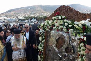 Η Παναγία Εκατονταπυλιανή επέστρεψε  στο «θρονί» Της στην Πάρο