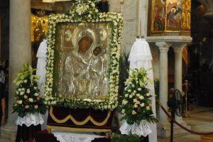 Η ιστορική εικόνα της Παναγίας της Εκατονταπυλιανής της Πάρου έρχεται στον Πειραιά