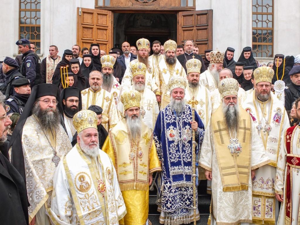 Γιορτή του Οσίου Γρηγορίου του Δεκαπολίτη στην Μονή Μπίστριτσας Ρουμανίας.