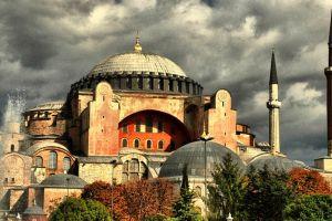 Προκλητικό μήνυμα Ερντογάν: Γιατί θέλει να μετατρέψει την Αγία Σοφία σε τζαμί ;