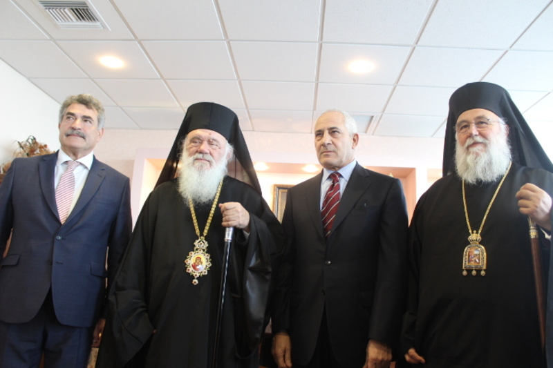 You are currently viewing Ο Αρχιεπίσκοπος Ιερώνυμος στην Κέρκυρα για τον Άγιο Σπυρίδωνα