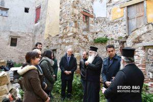 Μεταπτυχιακοί φοιτητές του ΕΜΠ στο ενετικό κτήριο του Αγίου Γεωργίου στο Ναύπλιο για την εκπόνηση μελέτης
