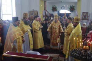 Εορτασμός των Τριών Ιεραρχών σε μικρό χωριό της Ουκρανίας.