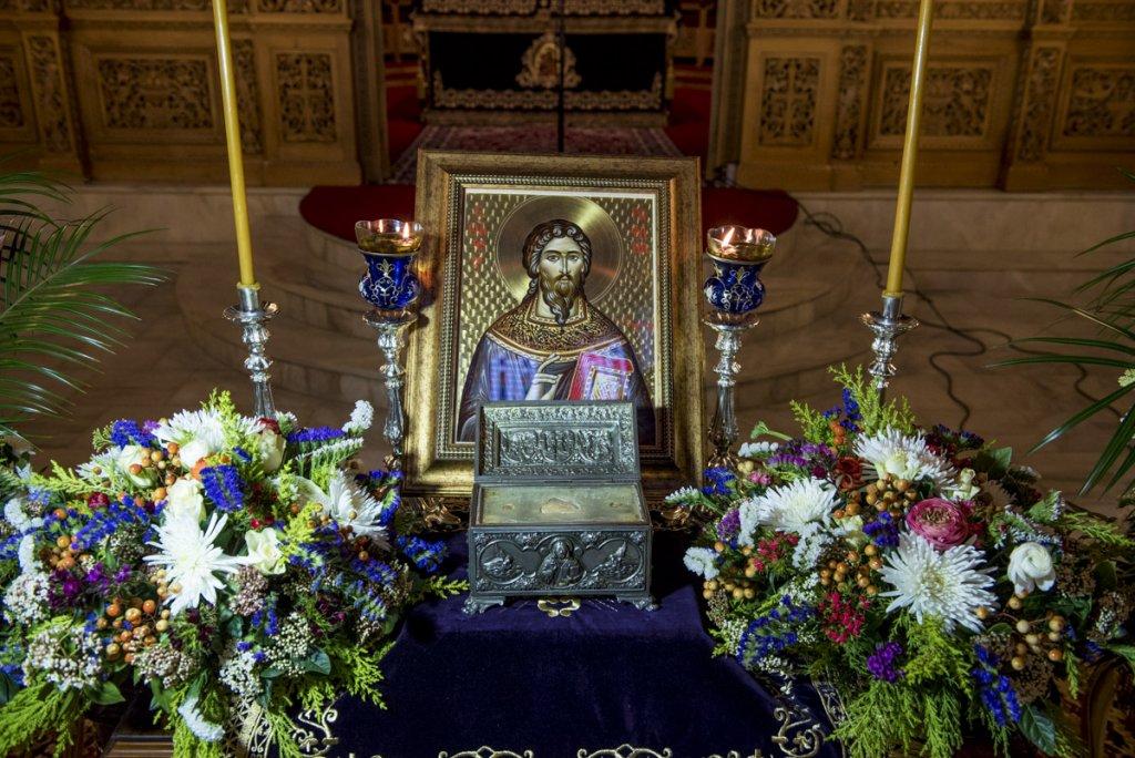 You are currently viewing Έλευση Ιερών Λειψάνων Αγίου Ραφαήλ, Νικολάου και Ειρήνης στην Ανάληψη – Ομίλία Γέροντος Νίκωνος