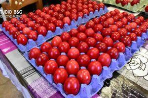 Εκατοντάδες κόκκινα αυγά από τον Ιερό Ναό Ευαγγελίστριας Ναυπλίου για τους άπορους της πόλης