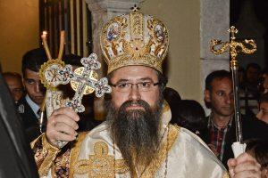 Θερμό αλλά ευπρεπές επεισόδιο στη  Φανερωμένη Λευκάδας, μεταξύ Μητροπολίτη Θεοφίλου και πλήθους πιστών, μετά τον Ε´ Κατανυκτικό Εσπερινό!