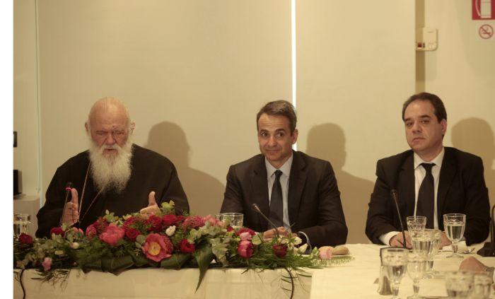 You are currently viewing Μητσοτάκης: «Αναπόσπαστο κομμάτι της εθνικής μας ταυτότητας η Εκκλησία»