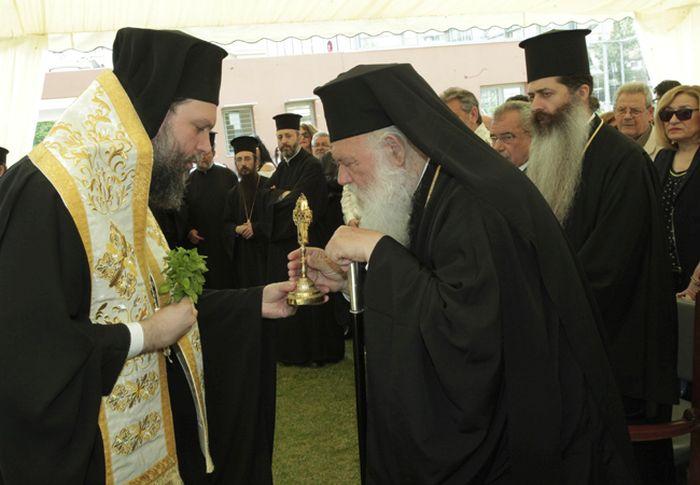 You are currently viewing Ο Αρχιεπίσκοπος στα εγκαίνια του Εργαστηρίου Ειδικής Κατάρτισης