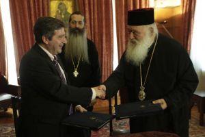 Αρχιεπίσκοπος Ιερώνυμος προς τον Γ.Καμίνη: «Εχουμε χρέος να συνεργαστούμε όπου μπορούμε»