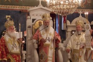 Μεθέορτο αρχιερατικό συλλείτουργο στον Όσιο Ιωάννη τον Ρώσο