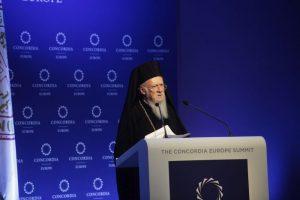 Οικουμενικός Πατριάρχης: «Ευρωπαϊκές χώρες μετατρέπουν την Ελλάδα σε ένα τεράστιο hotspot»