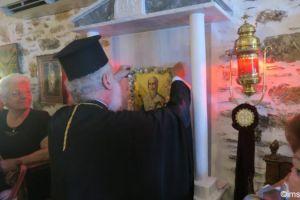 Το εγκόλπιο του αφιέρωσε στον Άγιο Δωρόθεο ο Μητροπολίτης Σύρου